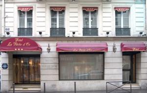 Hotel De La Fl�che D or